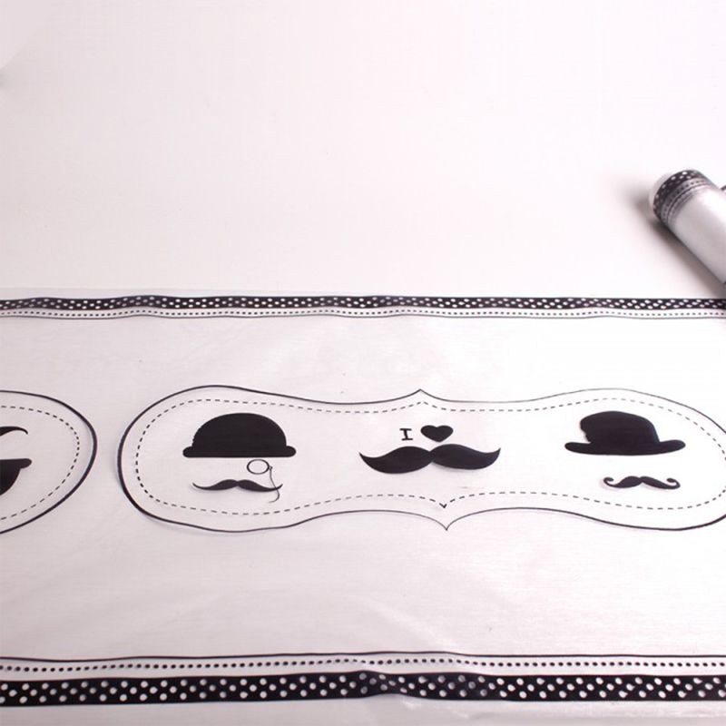 CHEMIN DE TABLE CHAPEAU MOUSTACHE NOIR 3