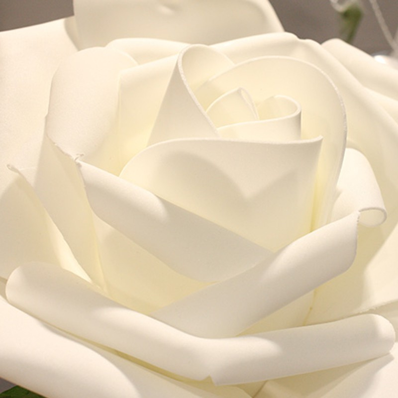 12 ROSES EN POLYFOAM BLANC 7 CM