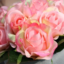 4 ROSES FOURNIES - ROSE PASTEL