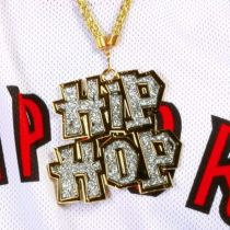 COLLIER HIP HOP