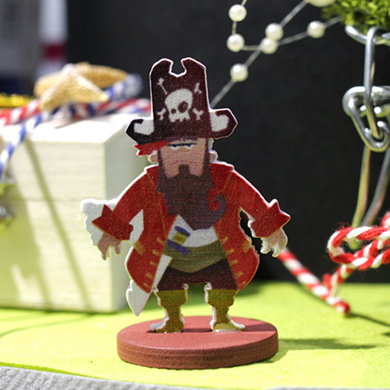 SET DE 4 MARQUE PLACES PIRATES 5CM